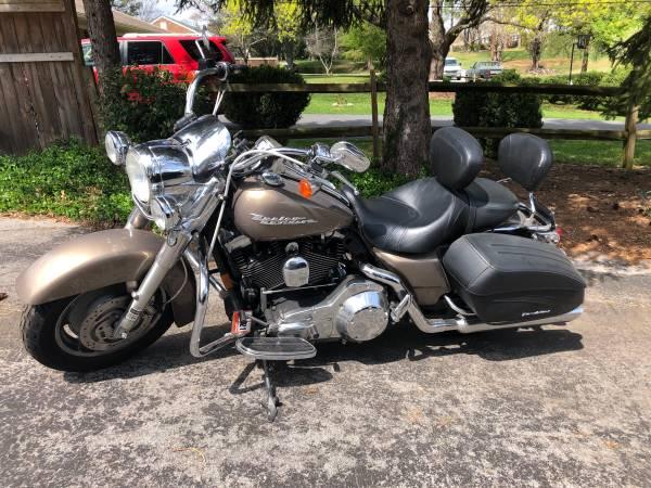 Photo 2004 Harley Davidson Road King Custom - NEW PRICE - $6,500 (Stuarts Draft)