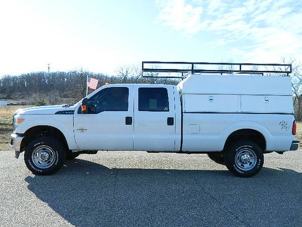 Photo 2011 FORD F350 CREW CAB DIESEL 4X4 - $26995 (FINANCING AVAILABLE)