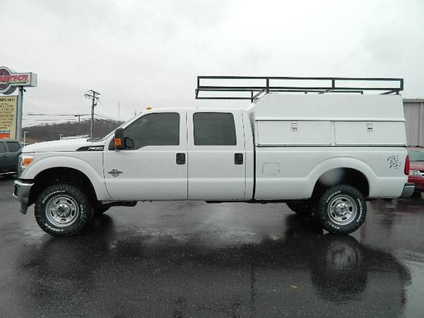 Photo 2011 FORD F350 CREW CAB DIESEL 4X4 - $27995 (FINANCING AVAILABLE)