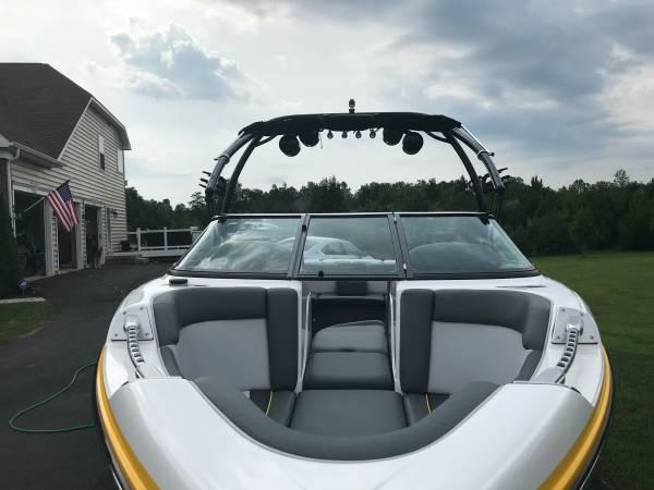 Photo 2012 Supra Launch 21V Wakeboard boat - $53,000 (Stafford)