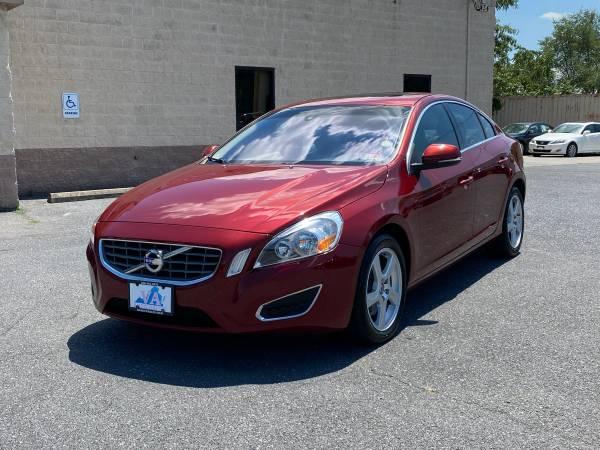 Photo 2012 Volvo S60 T5 - $8,950 (Harrisonburg, VA)