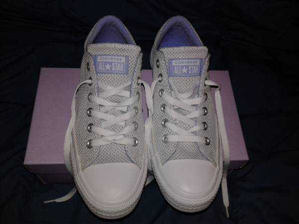 Photo Converse Womens All Star Shoes - $27 (Shenandoah)