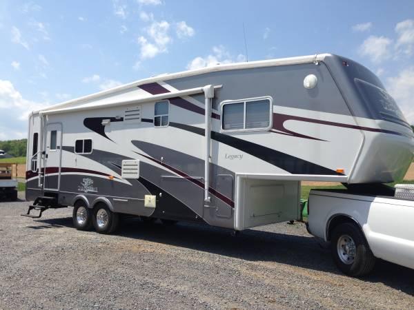 Photo Jayco Designer Legacy 5th Wheel - $22,500 (Harrisonburg)