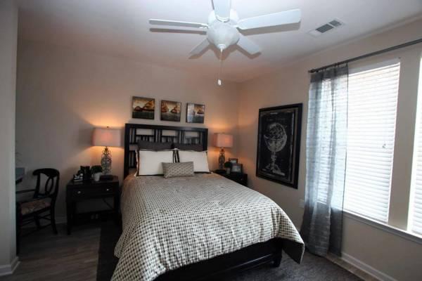 Photo ONE Apartment Home Available NOW (607 John Tyler Circle, Harrisonburg, VA)