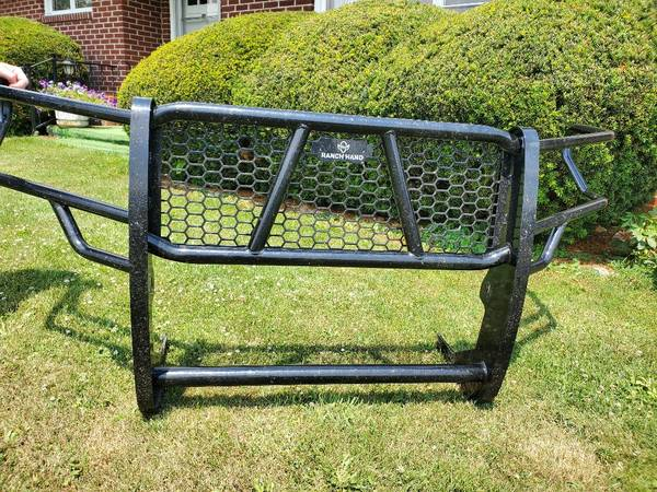 Photo Ranch Hand Grill Guard fits Toyota Tacoma 2016-2021 - $550 (Blue Grass)