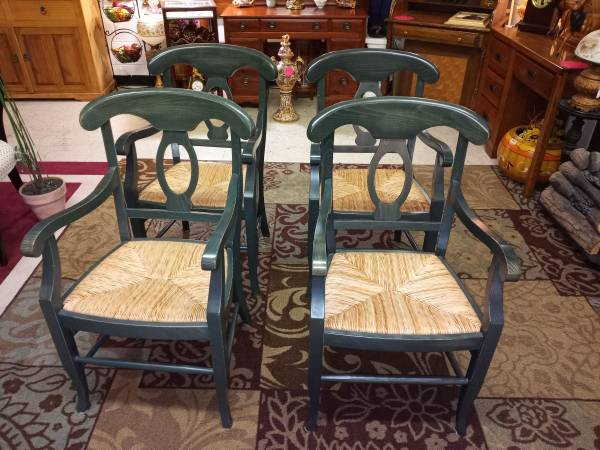 Photo Set of 4 Pottery Barn Dining Chairs - $275 (Luray)