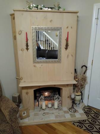 Photo Solid Pine Handmade Corner Unit Entertainment Center wFake Fireplace Decoration - $500 (Stuarts Draft)