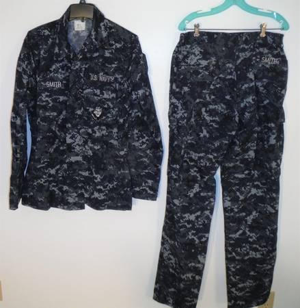 Photo US Navy Fatigues - shirt  pants - $30 (McGaheysville)