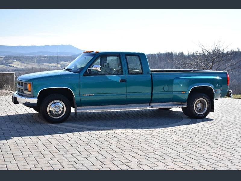 Photo Used 1994 Chevrolet Silverado 3500 2WD Extended Cab for sale