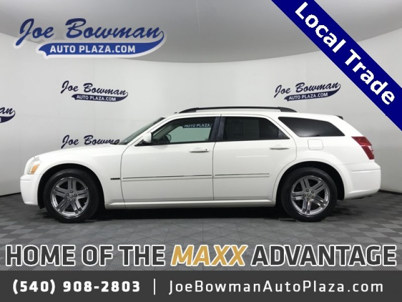 Photo Used 2007 Dodge Magnum RT for sale