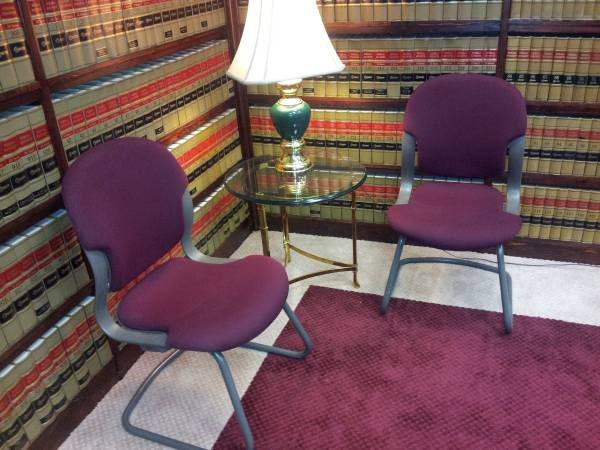 Photo VISITOR CHAIR SLEDGE BASE BY HERMAN MILLER - $75 (NEW MARKET VA)