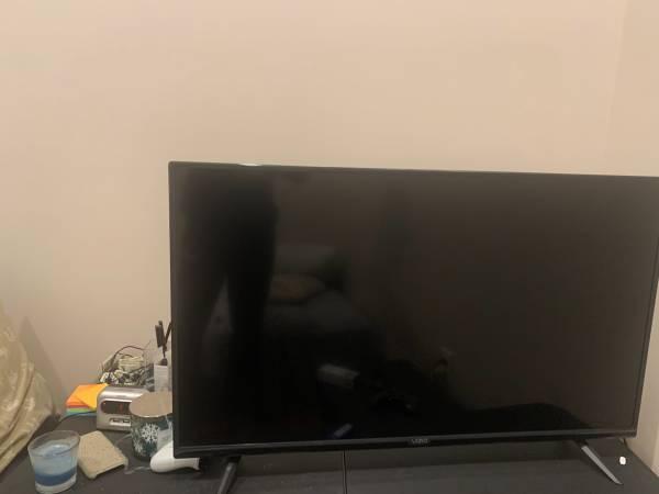Photo Vizio 40 inch smart tv - $100 (Harrisonburg)