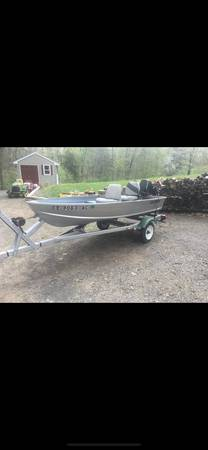 Photo 12 aluminum boat with Trailer and 9.9hp Gamefisher - $1600 (Southington)