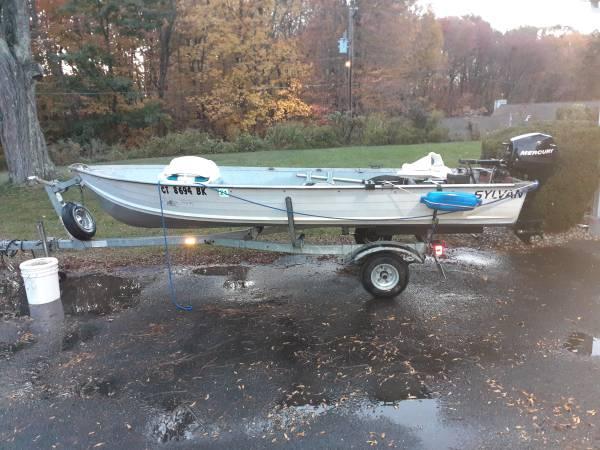 Photo 13 foot aluminum boat with 10 Hp Merc - $2,000 (East Windsor)