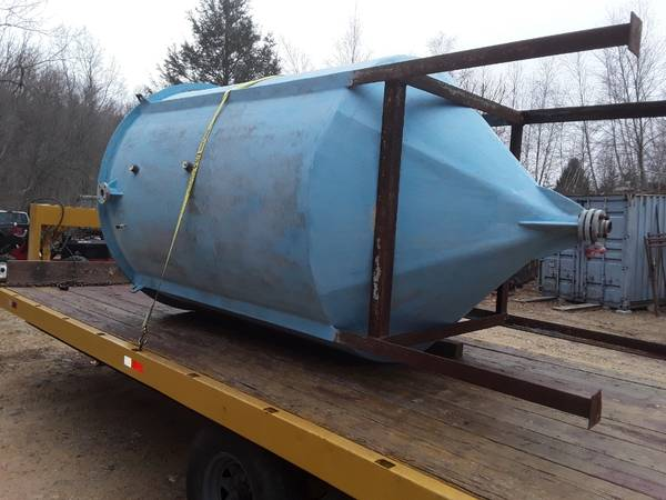 Photo 1500 gal fiberglass cone bottom tank tower fire control c water et - $1,150 (E Haddam)