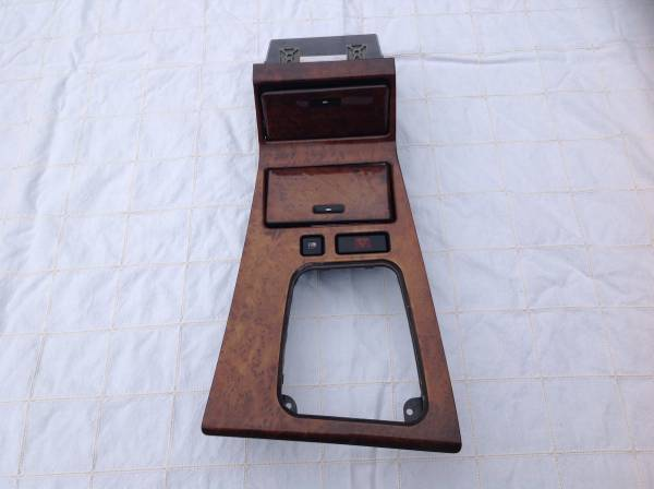 Photo 1995-2001 E38 BMW 740i 740il 750il Woodgrain Center Console - $50 (West Hartford)