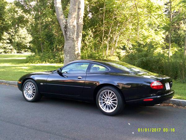 Photo 1997 Jaguar XK8 Coupe 83177 Miles Show Condition Stunning - $19,500 (Trumbull)