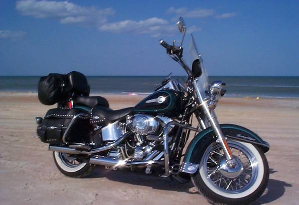 Photo 2002 Heritage Softail Classic - $8,500 (East Hartford, CT.)