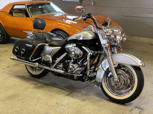 Photo 2003 Harley Davidson 100th Anniversary Road King Classic 4K Miles Mint - $12,800 (East Hton)
