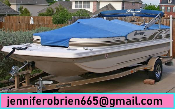 Photo 2003 Hurricane 198R Deck Boat - $1,400 (East Hartford)