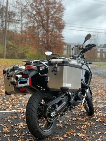 Photo 2017 BMW F800 GS Adventure (Super Low Miles ) - $10,500 (Wethersfield)