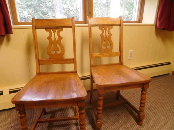 Photo 2 - Antique Vintage Solid Oak Fiddle Back Chair - $100 (East Hartford)