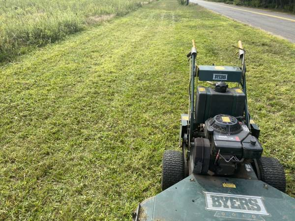 Photo 48 Walk Behind Commercial Mower With 14hp Kohler Command - $500 (Simsbury)
