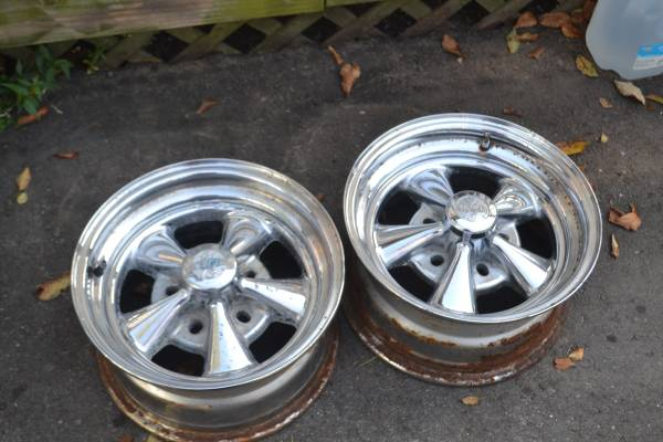 Photo 4 Cragar SS Chrome Wheels 14X6 14X7  5X4.50  5X4.75 - $150 (WINDSOR)
