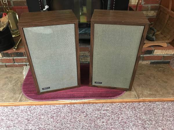 Photo ADVENT 1 Speakers - $175 (Agawam area Ma.)