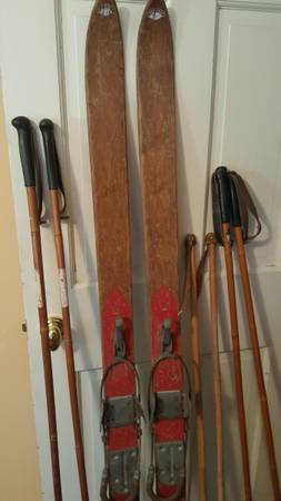 Photo Antique Northland WOODEN SNOW SKIS with BAMBOO POLES - $175 (Simsbury, CT)