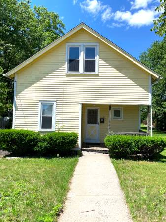 Photo Bring your creative vision to this adorable 2 story contemporary home (330 Jordan Lane, Wethersfield)