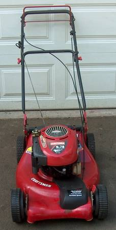 Photo Craftsman Self Propelled Lawn Mower - $165 (Middletown, Ct)
