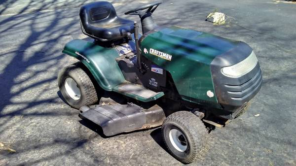 Photo Craftsman Tractor for Parts or Fix $120 - $120 (Enfield)