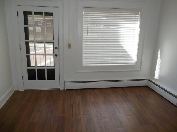 Photo Farmington-Unionville Center One Bedroom Apartment (105 South Main Street, Unionville, CT)