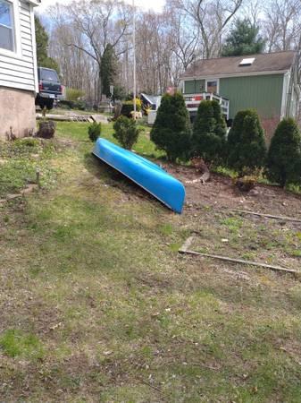 Photo Flat bottom 16 ft. Canoe - $400 (East Hton)