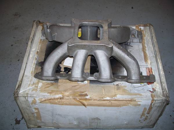 Photo Ford Small Block Aluminum Intake Manifold for C3 Heads - $375 (Enfield)