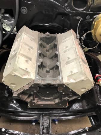 Photo GM LS Swap Engine Setup Mock Up Block and Heads LS1 LS2 LS3 LSX - $275 (Oakville)