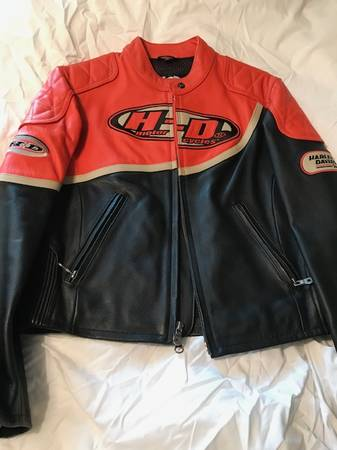 Photo Harley Davidson Womens Leather Jacket - $75 (East Granby)