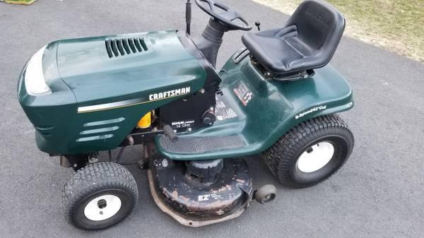 Photo Heavy Duty Craftsman Lawn Tractor with 2 Bin Bagging System - $1,250 (Glastonbury)