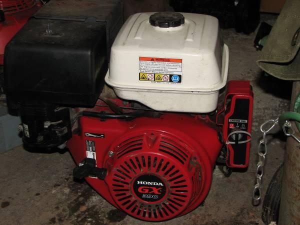 Photo Honda GX390 13 HP horizontal 1quot shaft engine NICE - $299 (Southton, w.MA.)