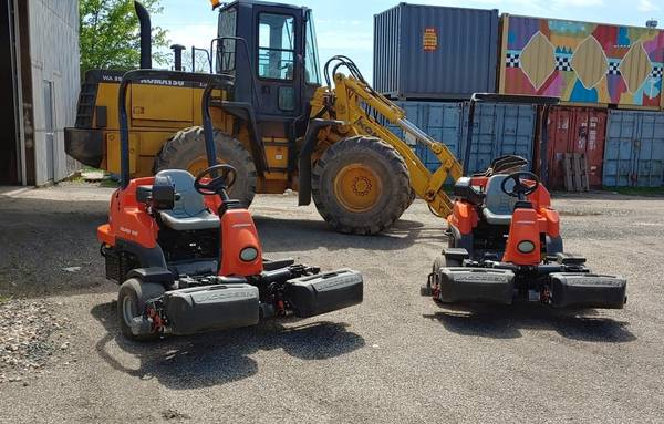 Photo Jacobsen Eclipse 322 Hybrid Electric Riding Greens Mower - $9900 (New Haven)