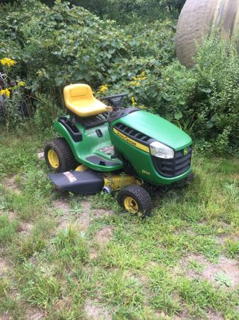 Photo John deere riding mower with full bagger system - $400 (Stafford ct)
