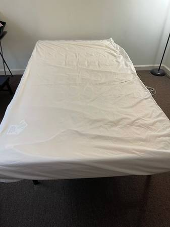 Photo Mattresses full size and twin, l shape couch, tv stand and bed frame for sale mo (East Windsor)