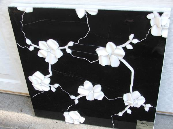 Photo ORCHID MOTIF CARVED RELIEF BLACK AND WHITE MARBLE TILE PANEL - $35 (Canton)