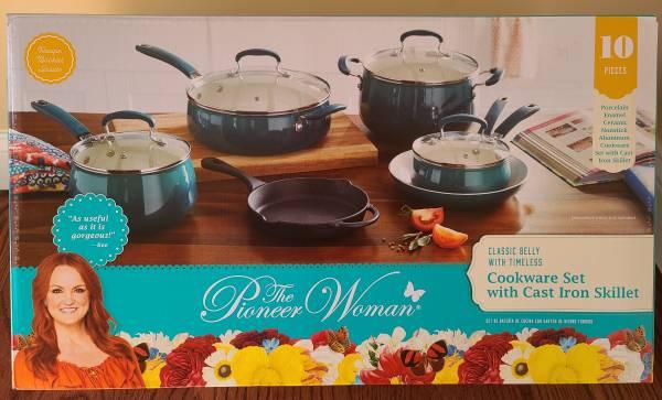 Photo Pioneer Woman 10 Piece Cookware Set- BRAND NEWUNOPENED - $75 (Millbury)