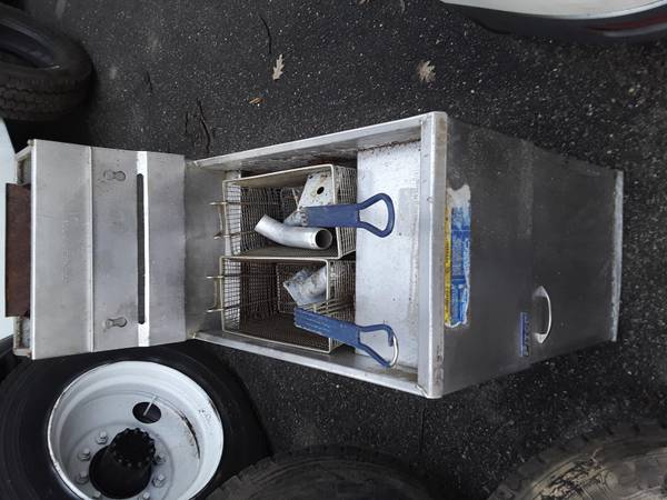 Photo Pitco Propane Fryer LP Commercial - $300 (Burlington)