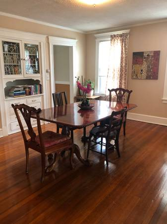 Photo Professional Roommate wanted for great 3BR West Hartford apartment (West Hartford)