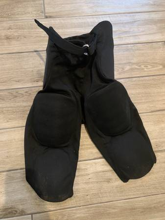 Photo Russell Football Pants Adult M EUC - $10 (South Windsor)