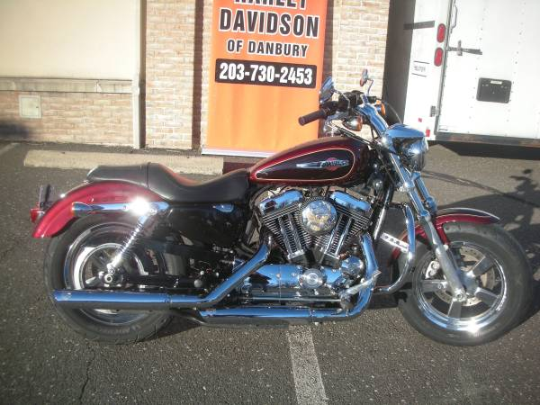 Photo SALE PENDING-CERTIFIED PRE-OWNED - 2015 SPORTSTER XL1200C (4759) - $8,395 (DANBURY,CT)
