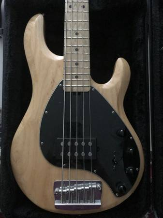 Photo Sterling MM Ray35 Bass - $650 (Enfield CT)